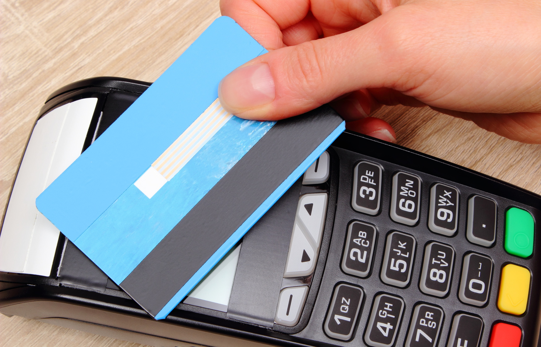 Contactless Credit Cards: Ready or Not, Like it or Not, Here They Come