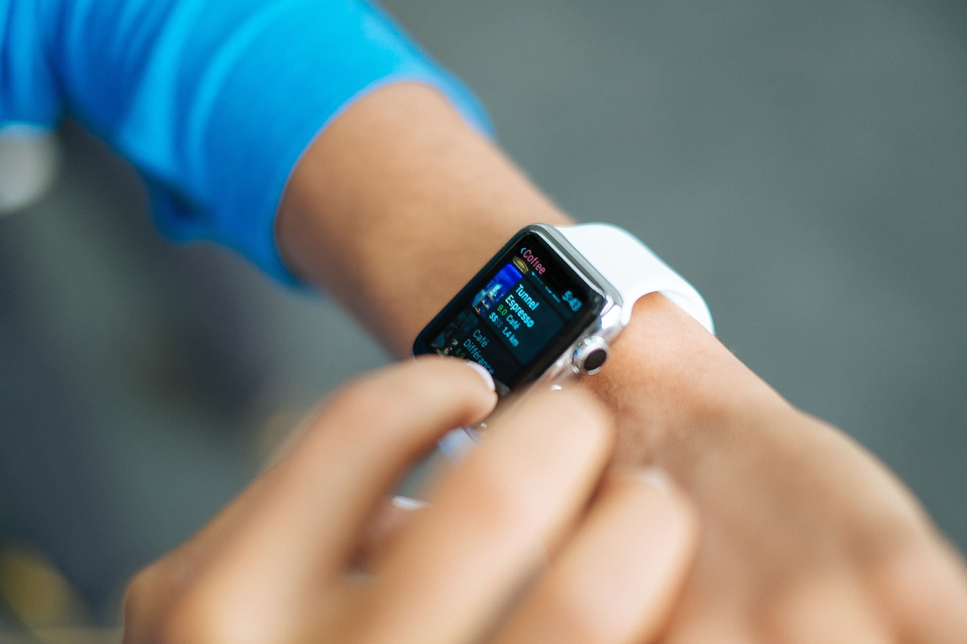 """Is a Smartwatch """"Truly a Business Instrument""""?"""