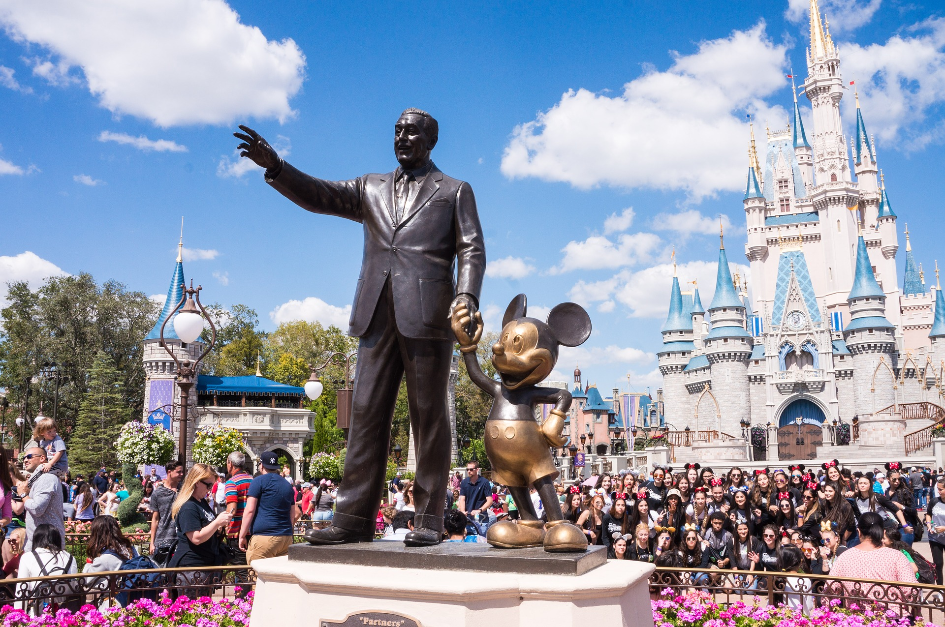 Disney Parks Mobile Order-and-Pay A Winner With Moms