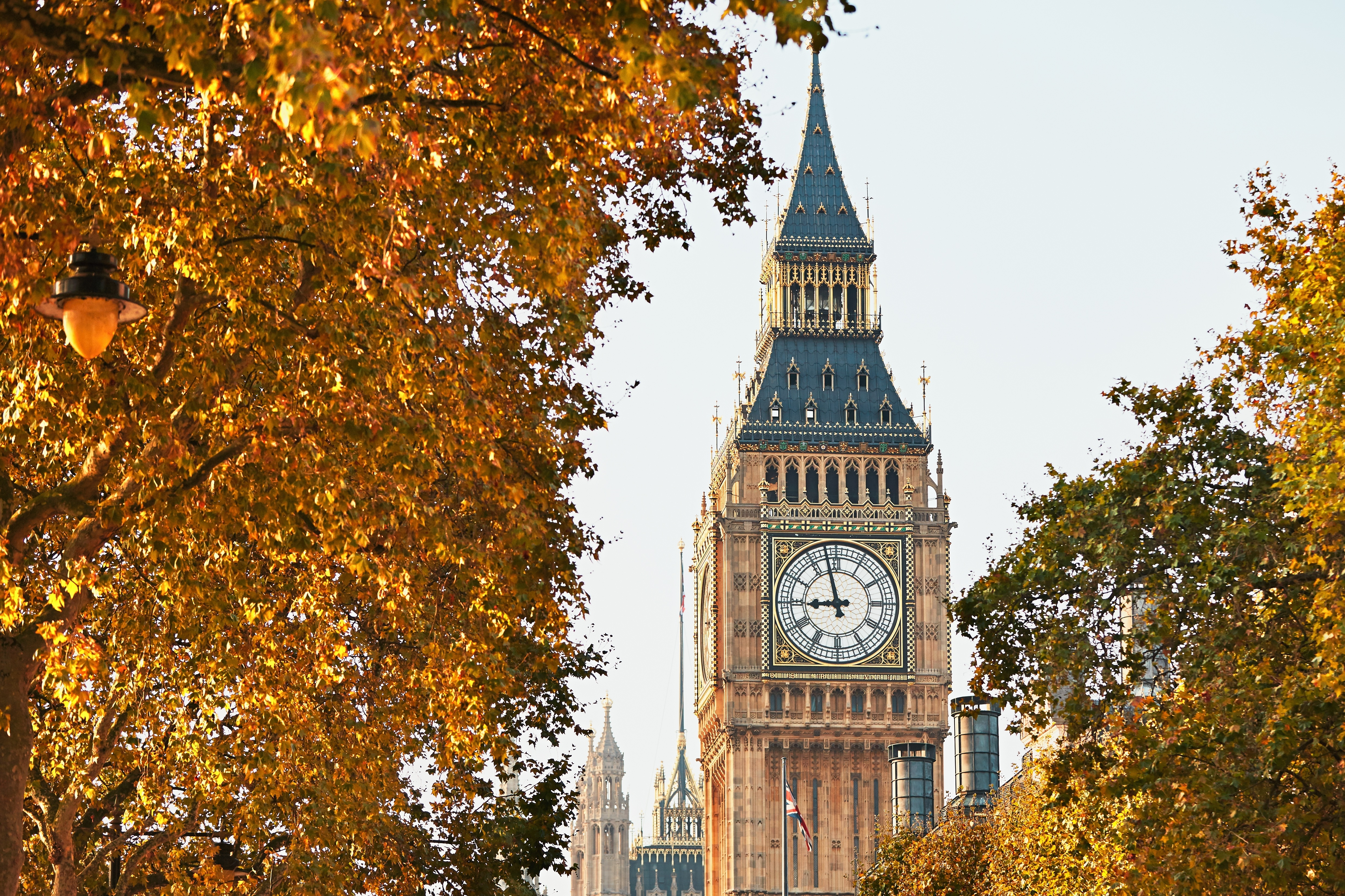 Credit Cards in England: Is London Stalling?