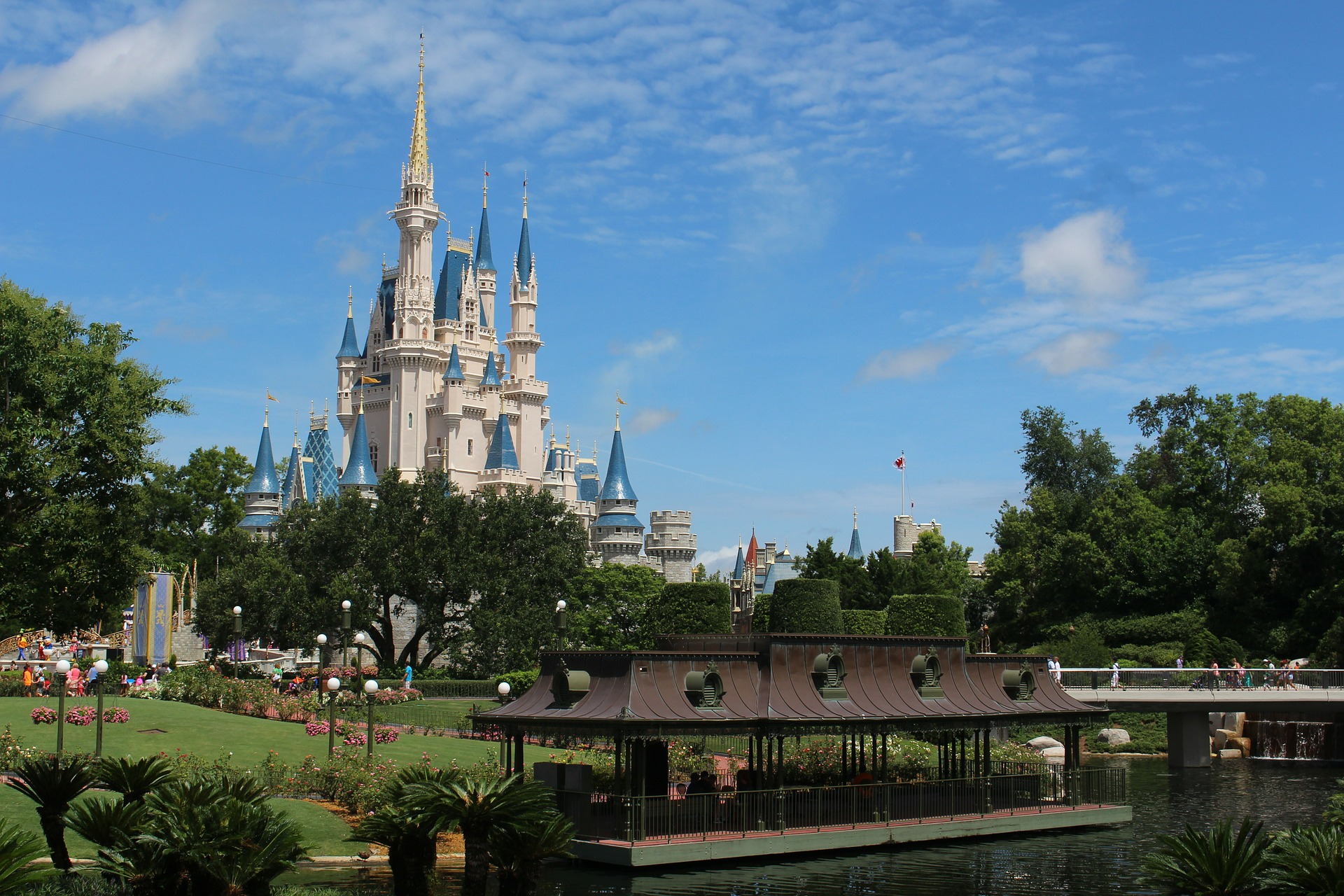 Disney World Restaurants Serve Up Mobile Order and Pay