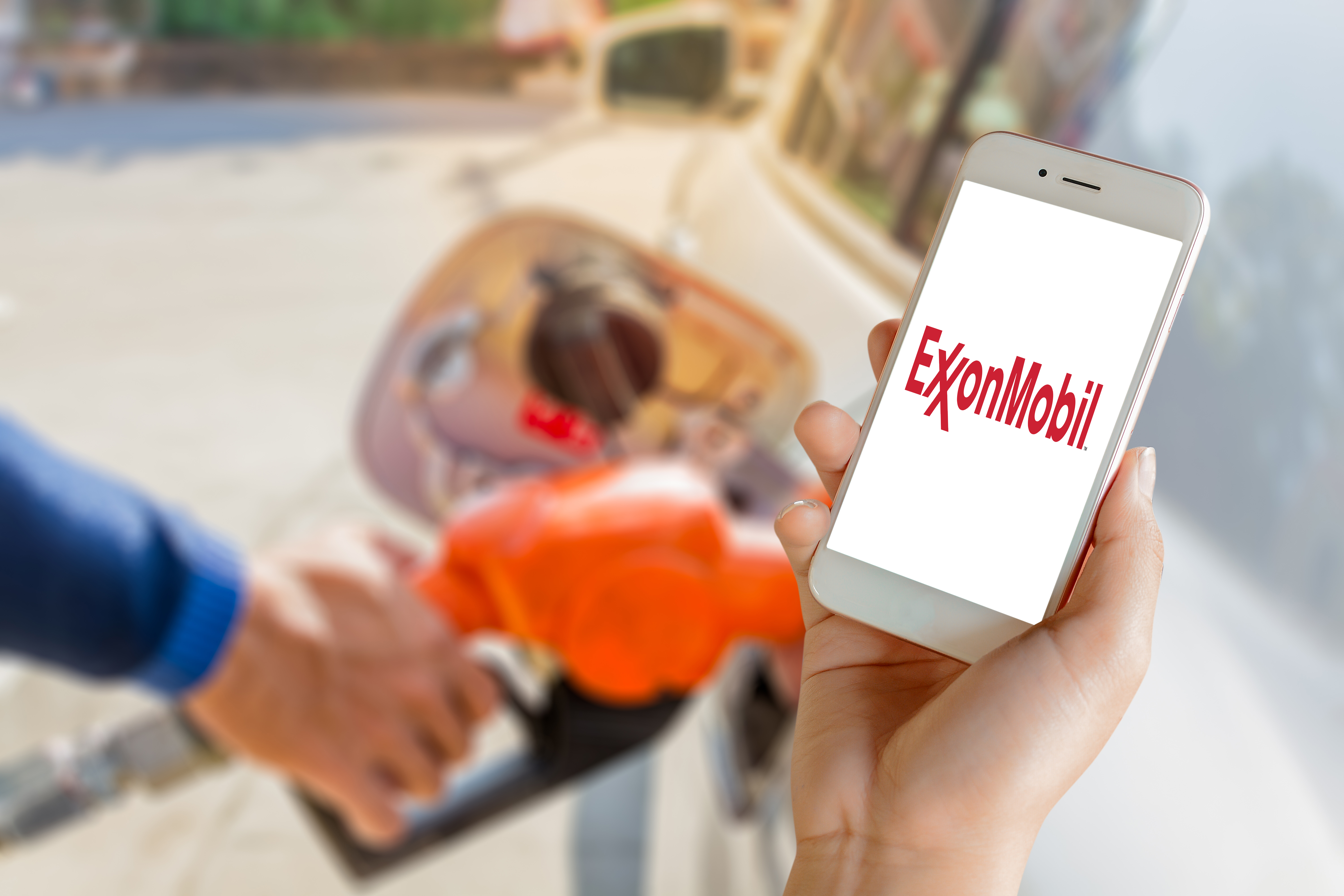 Integrated Features Fuel New ExxonMobil Payment App