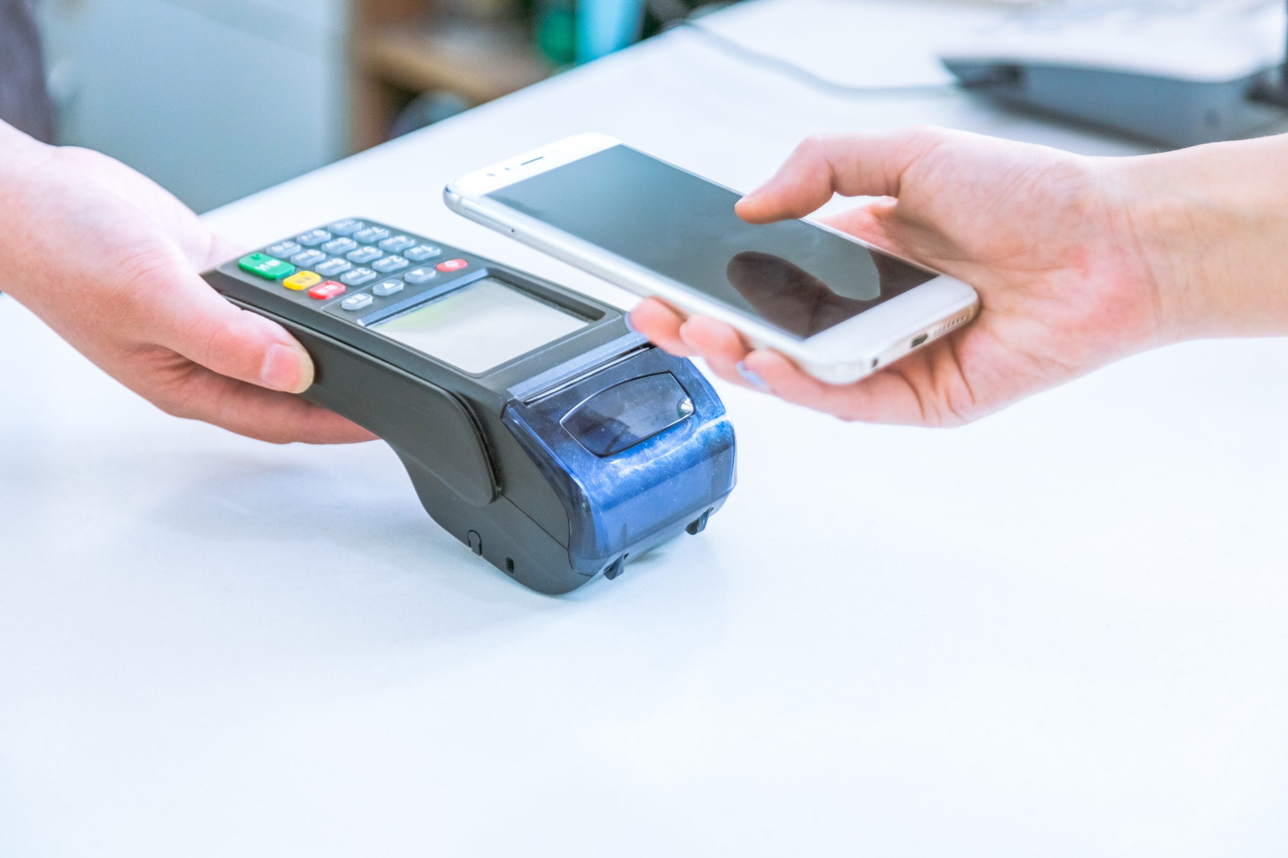 4 Tips for Acquirers Supporting Both Legacy and Smart POS Systems