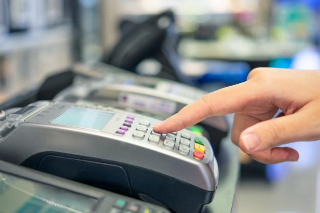 4 Factors Correlate to Debit's Abrupt Rise to Top-of-Wallet: